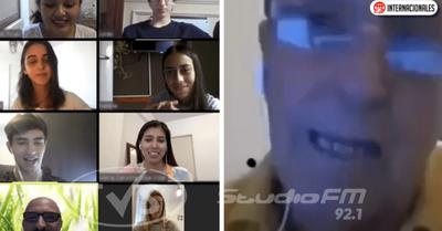Estudiantes se burlan del profesor en plena clase virtual y su hijo los denunció