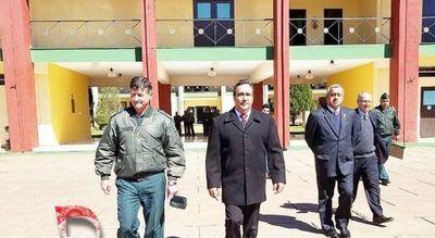 Juez ordena que gobernador de Central guarde arresto domiciliario