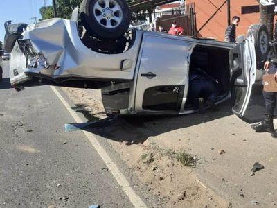 Ómnibus de la Línea 23 impactó contra vehículo de Escolta Presidencial