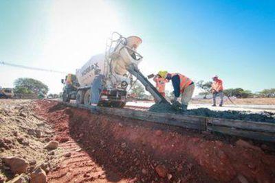Obras del complejo habitacional en Mariano avanzan en un 15%, según Durand
