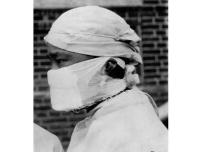 La mascarilla y una  evolución marcada por pestes e infecciones