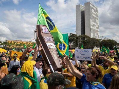 Brasil rumbo a la tormenta perfecta: Coronavirus, gripe, dengue y sarampión