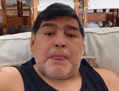 """La emoción de Maradona: """"Ayuden a comer a la gente"""""""