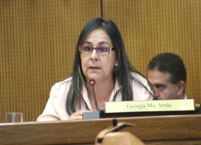 Senadora minimiza complot contra Prieto y asegura que son chismes