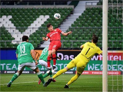Bayer Leverkusen golea en su vuelta