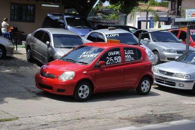 Comerciantes de autos usados piden ser habilitados en segunda fase