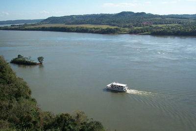 Este martes reinicia la navegación por el río Paraná