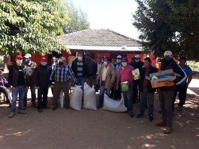 Agricultores de Itapúa denuncian incumplimiento de Gobernación en entrega de sembradoras