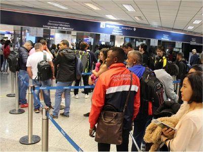 Migraciones habilita todas sus oficinas después de dos meses