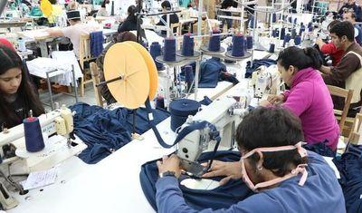 Más de 800 trabajadores retomaron sus actividades laborales