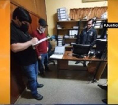 Allanan Gobernación de Caazapá tras denuncia de irregularidades