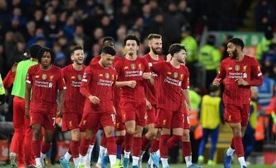 HOY / La Premier se posiciona a favor de que haya entrega de trofeos al Liverpool