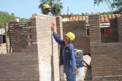 Realizan análisis sobre el impacto de la construcción en la economía