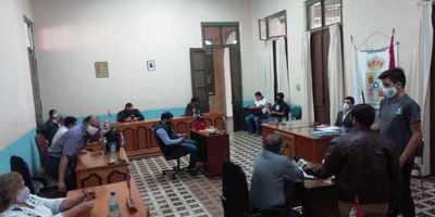 Junta Municipal aprueba pedir renuncia a intendente