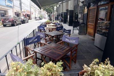 Restaurantes quieren volver con admisión reducida y controles