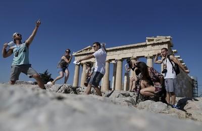Grecia recibirá turistas extranjeros a partir de julio