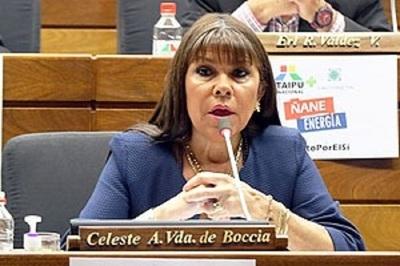 "Diputada cuestiona a senadores por ""designación amañada"" de ministro"