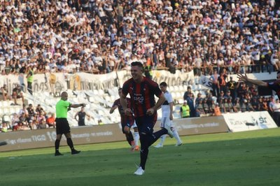 Cerro recibe sanción de la FIFA por deudas