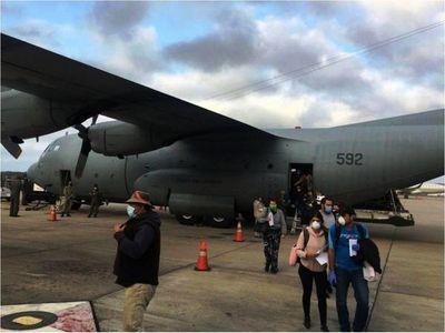 Llegan de Chile 180 paraguayos y vendrán  más de USA y España
