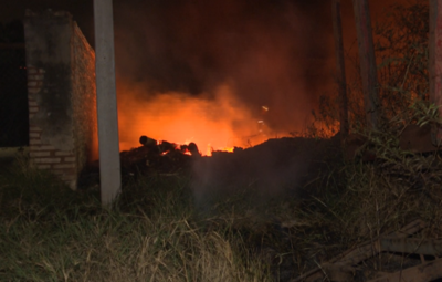 Peligroso incendio de pastizal en Limpio fue controlado por bomberos