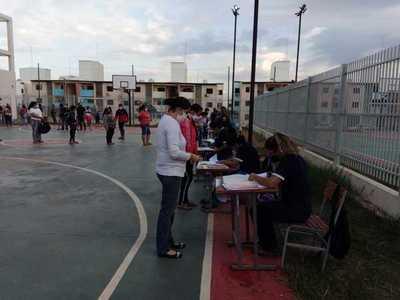 Continúa la entrega de kits de alimentos en 26 instituciones educativas de Asunción