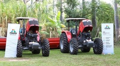 Entregan maquinarias a agricultores de Guairá y Paraguarí