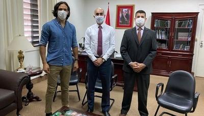 Tavarelli dice que se retiran del concurso de ofertas con el Ministerio de Salud