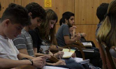 Universidades privadas piden redireccionamiento de becas