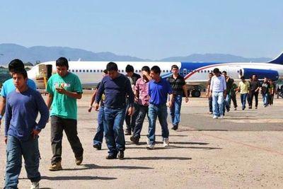 Guatemala critica a EEUU por enviar deportados con virus