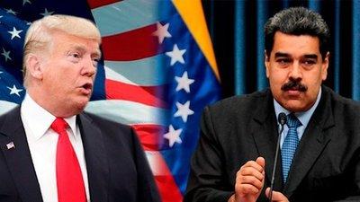 """Trump afirma que tiene """"rodeado"""" a Maduro y advierte: """"algo pasará"""""""