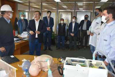 Técnicos de la EBY en 10 días esperan tener terminado respirador de emergencia y presentarlo al MSPyBS