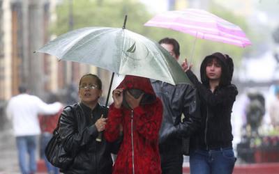 Viernes lluvioso, con tormentas eléctricas y descenso de temperatura, anuncia Meteorología
