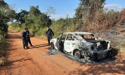 Desconocidos incendian  vehículo hurtado – Diario TNPRESS