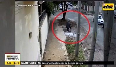 Hombre cae a registro de la ESSAP