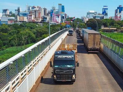 Camioneros exigirán CIERRE TOTAL o APERTURA de la frontera