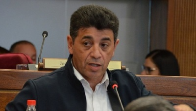 Senador espera que el presidente tome medidas tras voto de Censura a Eduardo Petta