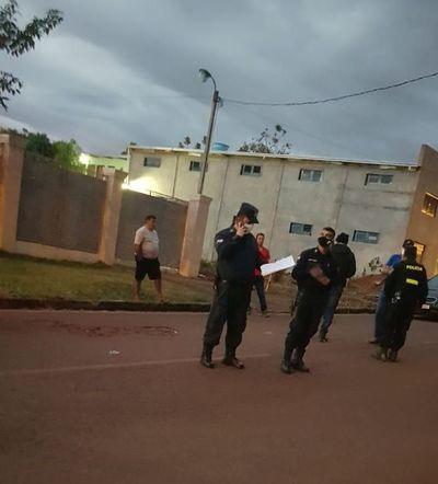 En Salto detienen a 3 policías por violar cuarentena