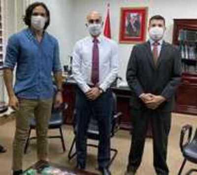 Empresa de Roque ya no hará concurso para proveer tapabocas a Salud