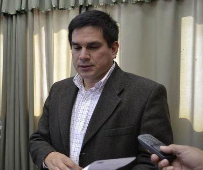 Denuncian a Gobernador de Paraguarí por supuesta violencia doméstica