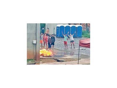 Tras quema de colchón salen de alta 6  de albergue en CDE