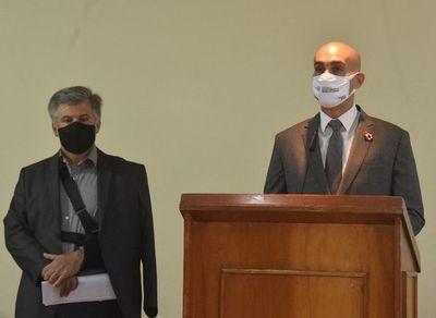 Ministro anuncia rescisión de contrato y espera sumario