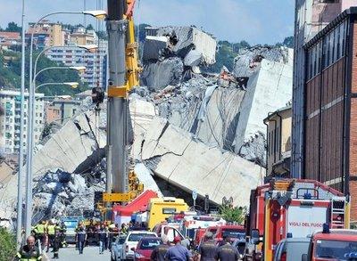 Italia: Sigue la búsqueda de víctimas entre escombros tras derrumbe de puente
