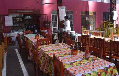 Viceministro habla del acuerdo con sectores gastronómicos y explica riesgo de abrir locales