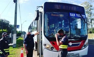 HOY / Hasta 10 pasajeros parados en buses: adoptan nuevas disposiciones para el inicio de la fase 2