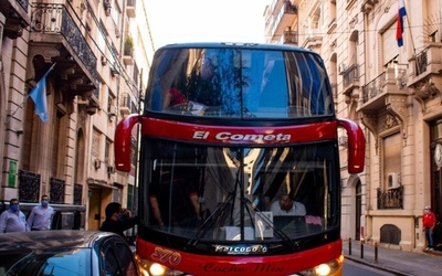 120 compatriotas llegaron desde Argentina