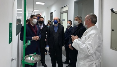 Presidente inaugura nuevo laboratorio de bioseguridad
