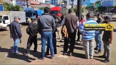No liberan el paso y camioneros protestan en CDE
