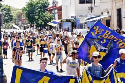 Seguidores de Luqueño suspenden marcha • Luque Noticias