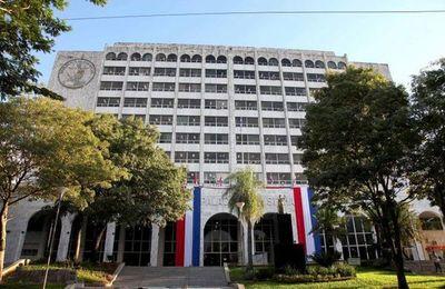 Corte excluye a funcionarios públicos del padrón de abogados – Prensa 5