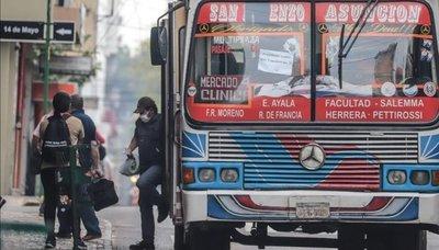 Buses podrán circular con hasta 10 personas paradas